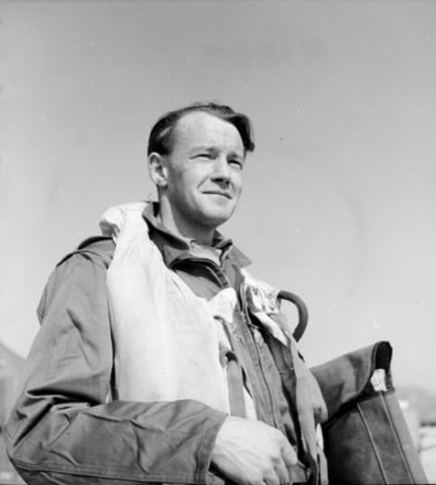 Portrait of Flight Lieutenant Maxwell Scannell with 77 Squadron, Royal Australian Air Force, Korea, c.March 1951. Australian War Memorial, DUKJ4027. Image has no known copyright restrictions.