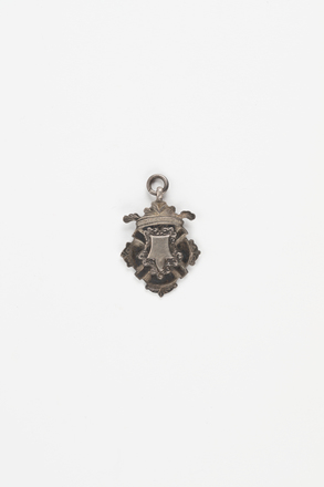 pendant, 2008.x.109, Photographed by Richard Ng, digital, 27 Jul 2018, © Auckland Museum CC BY