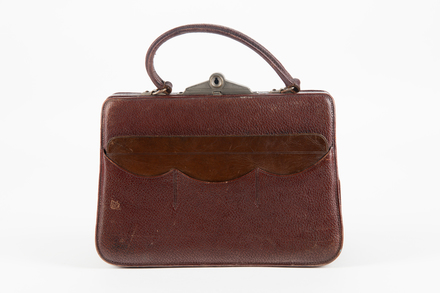 handbag, woman's, 1995X1.303, Photographed by Jennifer Carol, digital, 31 Jul 2018, © Auckland Museum CC BY