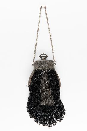 handbag, woman's, T642, Photographed by Jennifer Carol, digital, 02 Aug 2018, © Auckland Museum CC BY