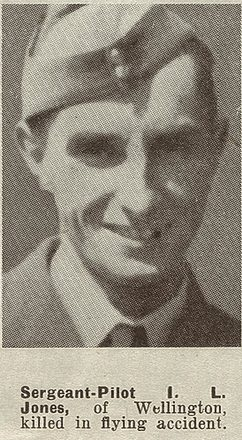 Portrait of Sergeant Ivan Leslie Jones, Auckland Weekly News, 24 September 1941. Sir George Grey Special Collections, Auckland Libraries, AWNS-19410924-34-20. Image has no known copyright restrictions.
