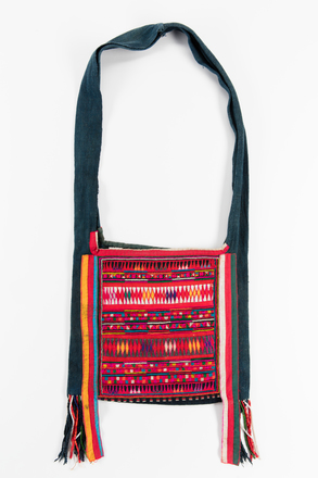 bag, 1990.253, 53666, Photographed by Jennifer Carol, digital, 28 Aug 2018, © Auckland Museum CC BY