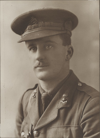 Portrait of Captain Oscar Gallie, Archives New Zealand, R24184006. Image may be subject to copyright restrictions.