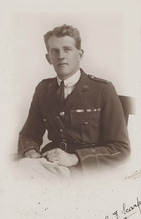 Portrait of Second Lieutenant Edward Reginald Francis Scarfe, Archives New Zealand, R24184654. Image may be subject to copyright restrictions.