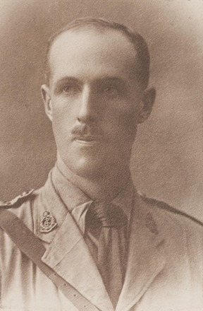 Portrait of Captain Robert Campbell-Begg MC. FL20932045 Archives New Zealand. Image may be subject to copyright restrictions.