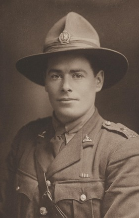 Portrait of 2nd Lieutenant R. I. Black, Archives New Zealand, R24184195. Image may be subject to copyright restrictions.