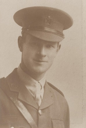 Portrait of Chaplain Ronald Sinclair Watson, Archives New Zealand, AALZ 25044 5 / F1853 58. Image is subject to copyright restrictions.