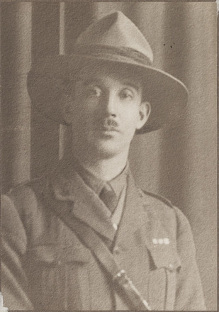 Portrait of Captain Neil Lloyd Macky, Archives New Zealand, AALZ 25044 4 / F1764 63. Image is subject to copyright restrictions.