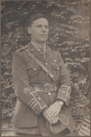 Portrait of Captain Septimus James Edgar Closey, Archives New Zealand, AALZ   25044 3 / F1345 60. Image is subject to copyright restrictions.