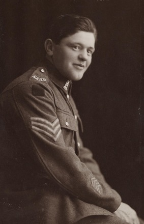 Portrait of Sergeant Thomas Roy Kennerly DCM, Archives New Zealand AALZ 25044 5 / F2107. Image may be subject to copyright.