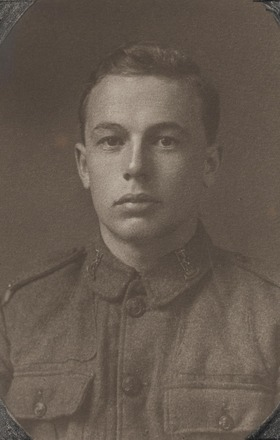Portrait of Lance Corporal Maurice Berry, Archives New Zealand, AALZ 25044 5 / F1847 33. Image is subject to copyright restrictions.