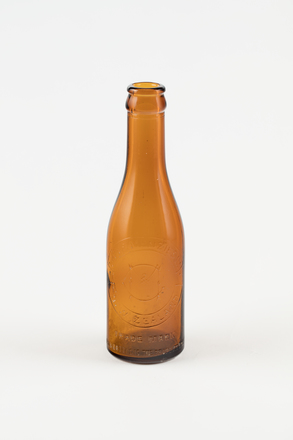 bottle, soft drink, 1997.80.30, Photographed by Richard Ng, digital, 09 Oct 2018, © Auckland Museum CC BY