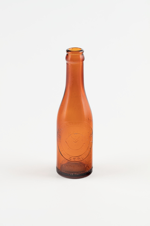bottle, soft drink, 1997.80.34, Photographed by Richard Ng, digital, 09 Oct 2018, © Auckland Museum CC BY