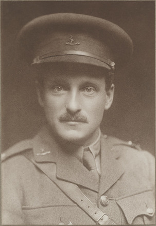 Portrait of Lieutenant Arthur Desmond Herrick, Archives New Zealand, AALZ 25044 1 / F758 26. Image is subject to copyright restrictions.