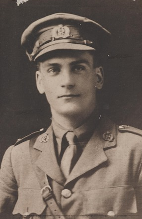 Portrait of Lieutenant Ronald Hart Buchanan, Archives New Zealand, AALZ 25044 2 / F941 41. Image is subject to copyright restrictions.