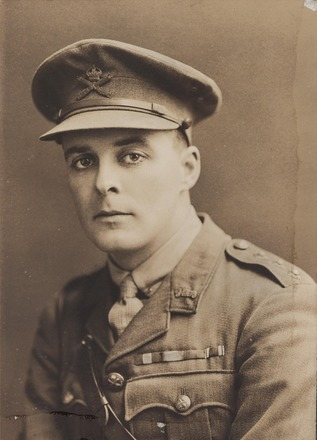 Portrait of Lieutenant Samuel Jackson Hanna, Archives New Zealand, AALZ 25044 3 / F1347 61. Image is subject to copyright restrictions.