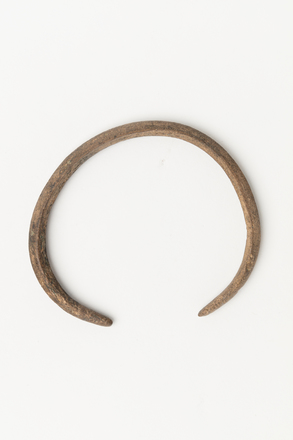 bracelet, 11023, Photographed by Jennifer Carol, digital, 24 Oct 2018, © Auckland Museum CC BY