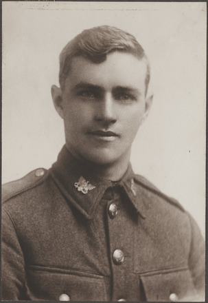 Portrait of Sergeant Albert George Hooper DCM. Archives New Zealand. AALZ 25044 2 / F997. Image may be subject to copyright restrictions.
