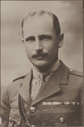 Portrait of Major Hector Campbell MacKenzie, Archives New Zealand, AALZ 25044 4 / F1739 14. Image is subject to copyright restrictions.