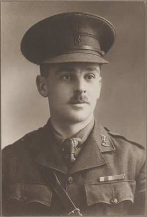 Portrait of Major John Richmond Cowles, Archives New Zealand, AALZ 25044 5 / F1808 59. Image is subject to copyright restrictions.
