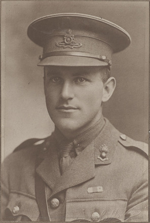 Portrait of Major Reginald Miles, Archives New Zealand, AALZ 25044 3 / F1475 35. Image is subject to copyright restrictions.