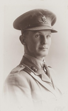 Portrait of Major Robert Gracie Milligan, Archives New Zealand, AALZ 25044 3 / F1323 15. Image is subject to copyright restrictions.
