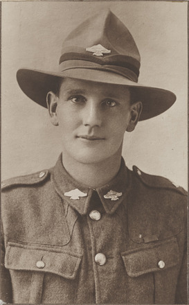 Portrait of Quartermaster Sergeant Edward Kennedy Blundell, Archives New Zealand, AALZ 25044 4 / F1641 69. Image is subject to copyright restrictions.