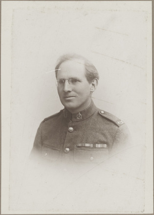 Portrait of Private James Olds, Archives New Zealand, AALZ 25044 5 / F2057 65. Image is subject to copyright restrictions.