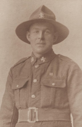 Portrait of Private Charles Richard Dawson, Archives New Zealand, AALZ 25044 4 / F1640 13. Image is subject to copyright restrictions.