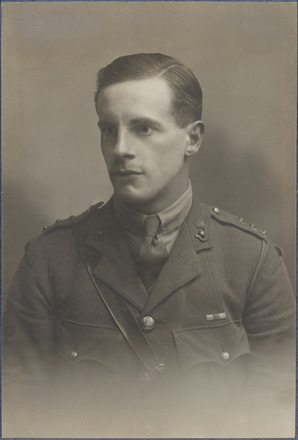 Portrait of Captain Eric Oakeley Pryce, Archives New Zealand, AALZ 25044 4 / F1759 14. Image is subject to copyright restrictions.