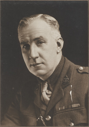 Portrait of Colonel Donald Norman Watson Murray, Archves New Zealand, AALZ   25044 3 / F1464 15. Image is subject to copyright restrictions.