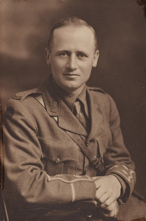Portrait of  Lieutenant Frank George Massey, Archives New Zealand, AALZ 25044 1 / F521 22. Image is subject to copyright restrictions.