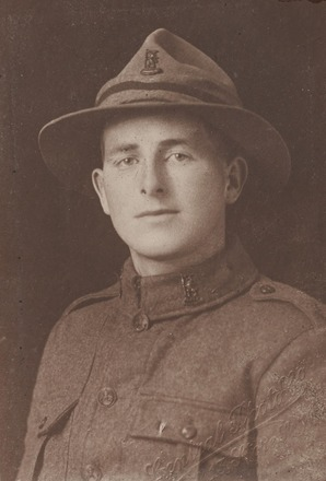 Portrait of Pte Archie Owen Williams MM, Archives New Zealand, AALZ 25044 4 / F1503. Image may be subject to copyright restrictions.