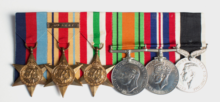 medal set / 2018.34.5 / © Auckland Museum CC BY