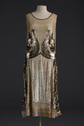 dress, woman's, 1992.245, T1419, Photographed by Jennifer Carol, digital, 21 Nov 2018, © Auckland Museum CC BY