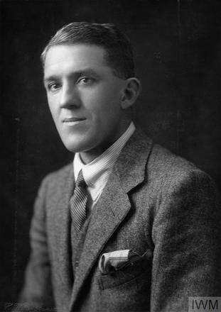 Portrait of Lieutenant Charles Wallace Saunders. Image sourced from Imperial War Museums' 'Bond of Sacrifice' collection. ©IWM HU 126184
