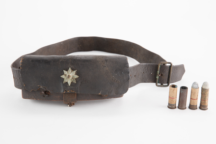 case, cartridge, 1930.222, 13684, Photographed by Denise Baynham, digital, 12 Dec 2018, © Auckland Museum CC BY