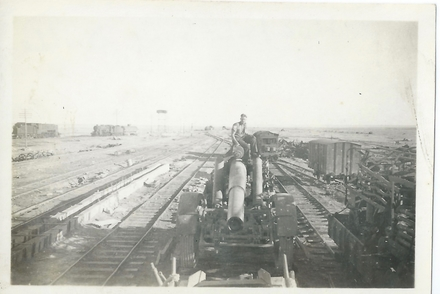 Photograph of William Leonard Jackson 27503, Hun Field Gun, Similla Dec 1942. Image kindly provided by Margaret Riordan (January 2019). Image may be subject to copyright restictions.