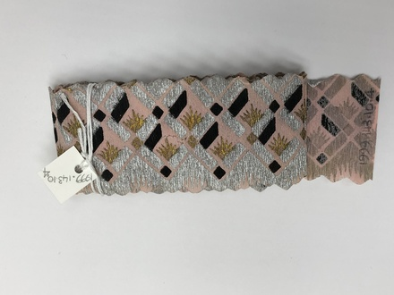 roll, streamer / 1999.143.10.4 / © Auckland Museum CC BY