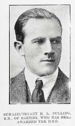Portrait of Sub Lieutenant Edward Laston Pulling, Auckland Weekly News, 4 January 1917. Auckland Libraries Heritage Collections AWNS-19170104-46-2. Image has no known copyright restrictions.