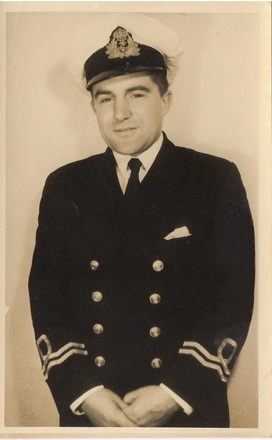 Lieutenant Ivan Curd in Royal Naval uniform - World War II. Image kindly donated by Carolyn (June 2017). Image may be subject to copyright restrictions.