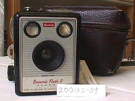camera, box: Kodak Brownie Flash II camera 620 [2001x2.39]