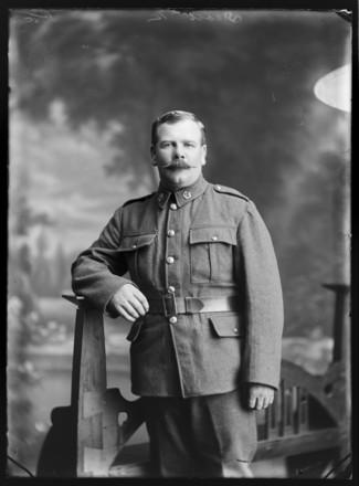 Portrait of Charles Caleb Vandersluys, Berry & Co, Wellington, 1916. Te Papa Tongarewa, B.045815. Image is subject to copyright restrictions.