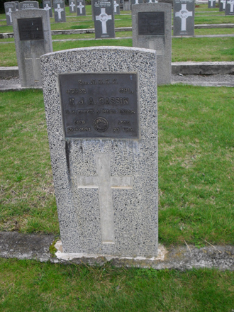Grave of FJA Cassin (45352), Featherston Cemetery, Carterton. Image kindly provided by Sam Hodder (2013). Image has no known copyright restrictions.