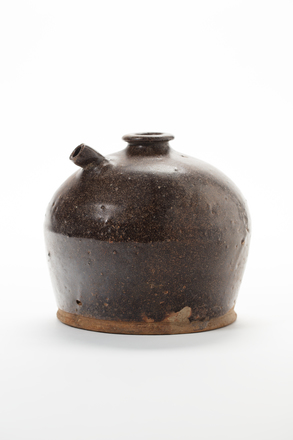 spouted jar, 2014.51.16, © Auckland Museum CC BY