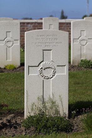 Headstone of Private William Young Stark (36490). Motor Car Corner Cemetery, Comines-Warneton, Hainaut, Belgium. New Zealand War Graves Trust (BECW8791). CC BY-NC-ND 4.0.