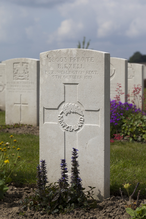 Headstone of Private Benjamin Exell (38003). Nine Elms British Cemetery, Poperinge, West-Vlaanderen, Belgium. New Zealand War Graves Trust (BEDA9581). CC BY-NC-ND 4.0.