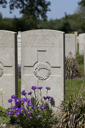 Headstone of Private Andrew Frew (38950). Lijssenthoek Military Cemetery, Poperinge, West-Vlaanderen, Belgium. New Zealand War Graves Trust (BECL9902). CC BY-NC-ND 4.0.