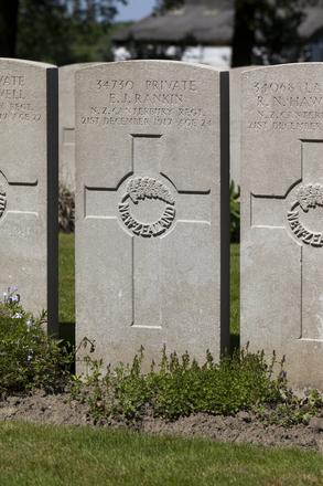 Headstone of Private Edwin John Rankin (34730). Lijssenthoek Military Cemetery, Poperinge, West-Vlaanderen, Belgium. New Zealand War Graves Trust (BECL9872). CC BY-NC-ND 4.0.