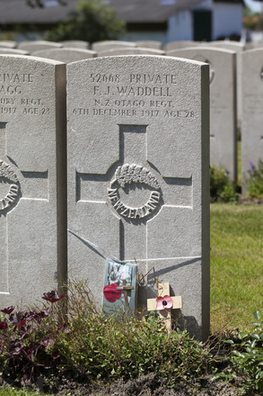 Headstone of Private Francis Joseph Waddell (52668). Lijssenthoek Military Cemetery, Poperinge, West-Vlaanderen, Belgium. New Zealand War Graves Trust (BECL9809). CC BY-NC-ND 4.0.